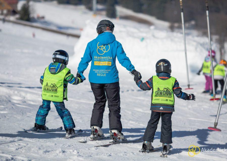 akademicka-szkola-narciarstwa-snowboardu-zieleniec-3