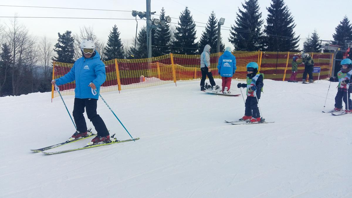 ski-team-zieleniec-wypozyczalnia-szkolka-1