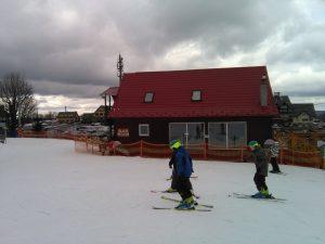 (Polski) dzieci na nartach