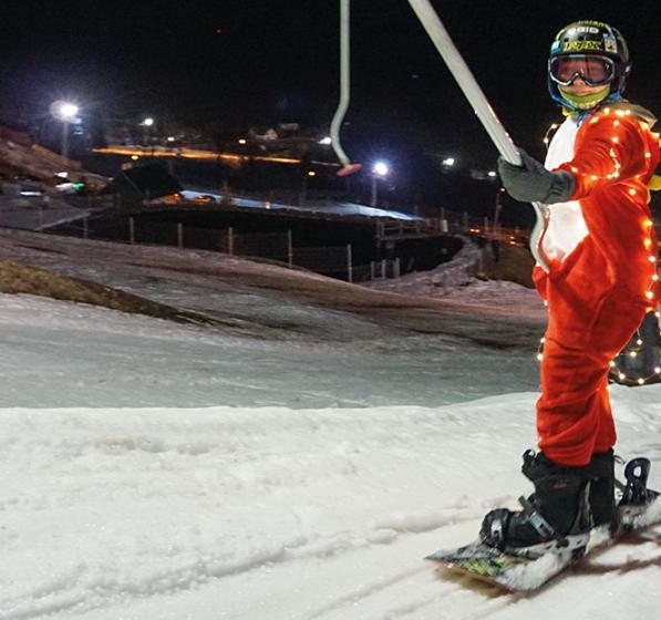 [:pl]Nocny Zjazd Duchów i pokazy narciarskich szkół[:]