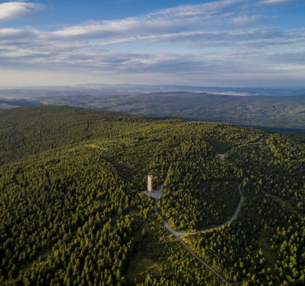 [:pl]Pomysł na wycieczkę: wieża widokowa Wielka Desztna[:]